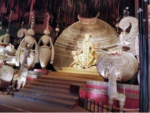 Decor and idol showcasing an ancient handicraft form of Bengal